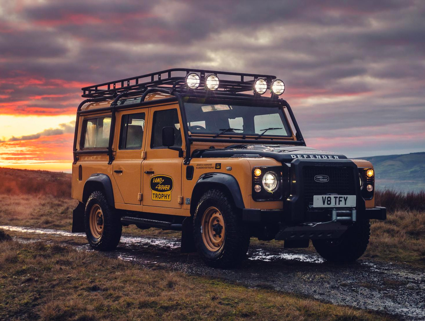 Land Rover Unveils Limited Defender Works V8 Trophy at werd.com