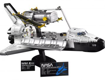 Lego Launches 2,354-Piece Space Shuttle Discovery Set