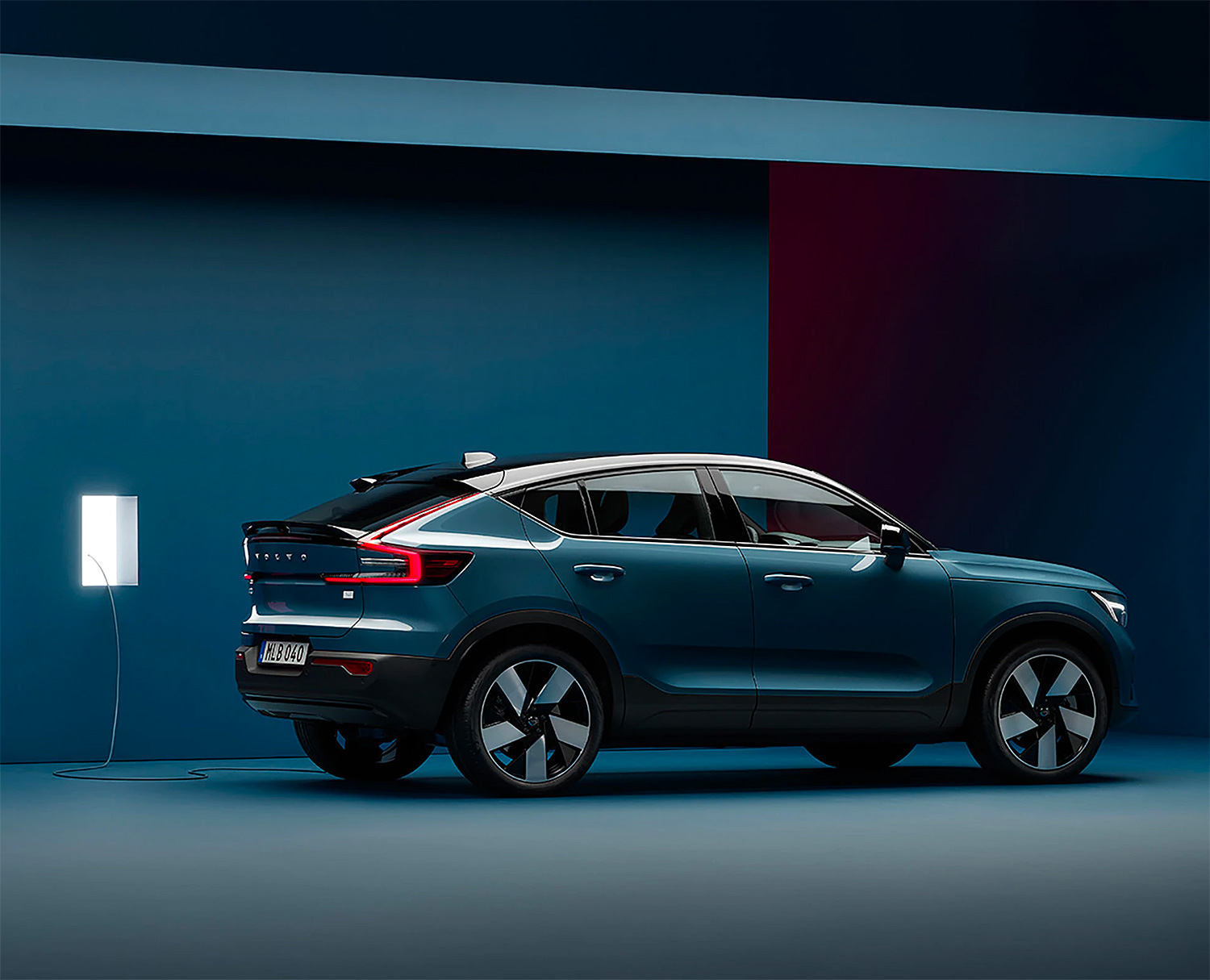 Volvo Debuts Its First Plug-in Crossover: The C40 Recharge at werd.com