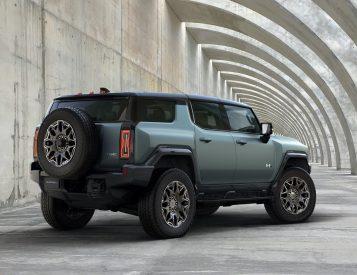 GM Reveals More on 2024 Hummer EV SUV