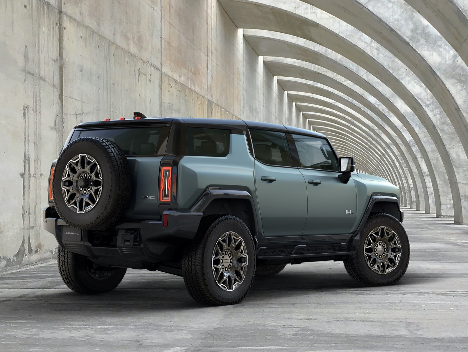 GM Reveals More on 2024 Hummer EV SUV at werd.com