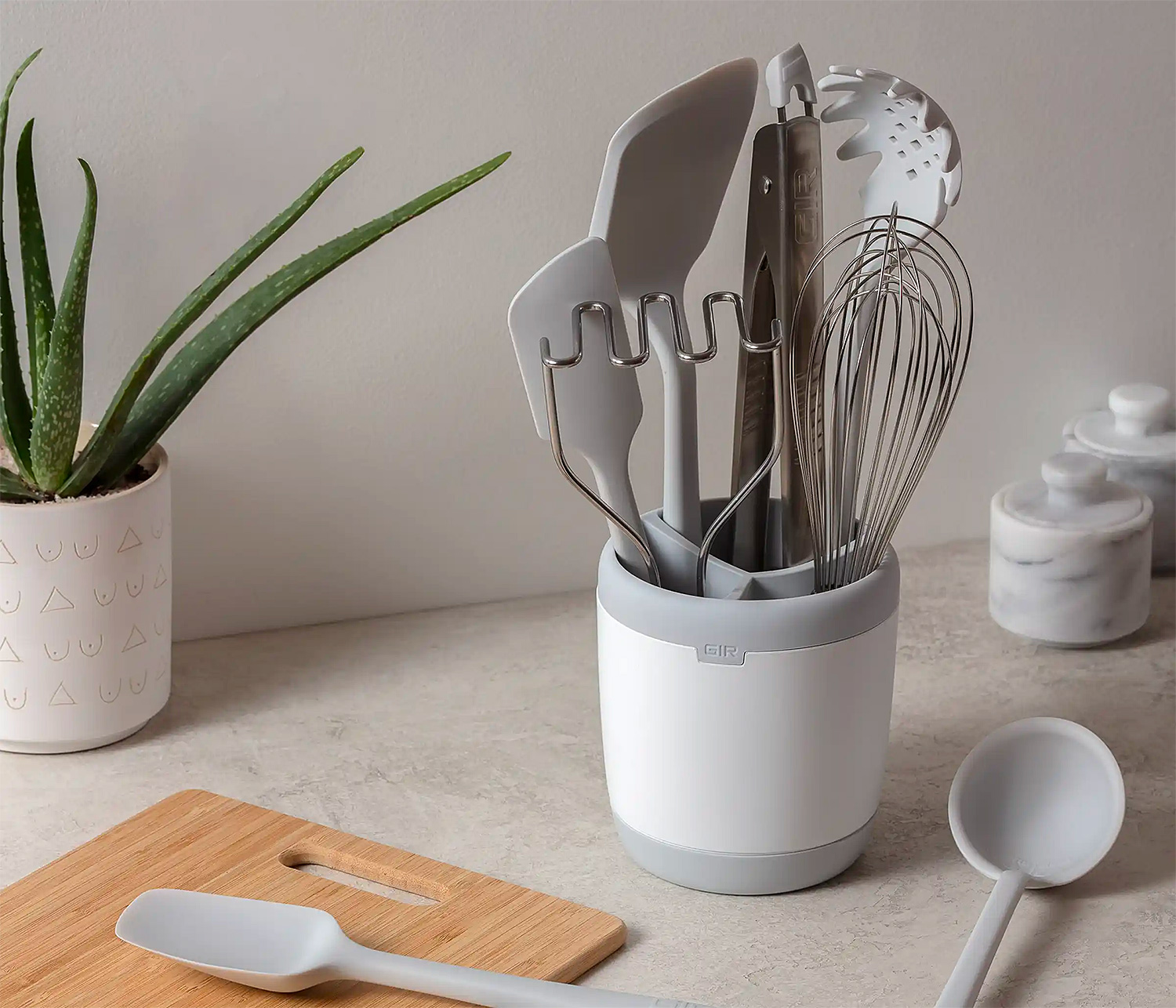 Equip Your Kitchen with the 10-Piece Ultimate Tool Set at werd.com
