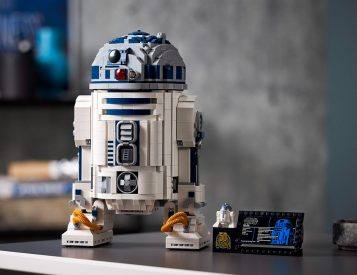 LEGO Rolls Out Updated R2-D2 Droid Set