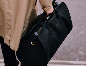 For Work or Weekends, The S.C Holdall is a Smart Traveler
