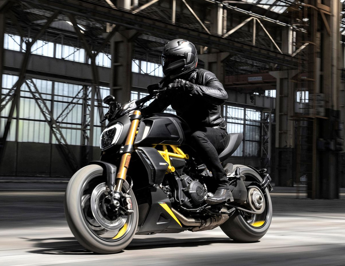 Ducati Drops Limited Edition Diavel for MIMO Motor Show at werd.com