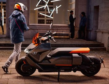 BMW Motorrad Releases CE04 Electric Commuter Scooter