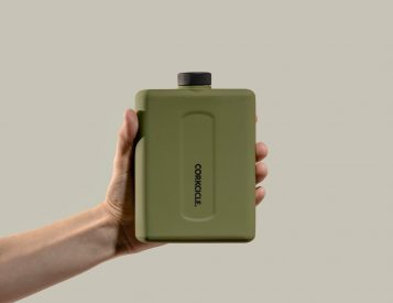 The Flat Canteen Puts Hydration in Your Back Pocket