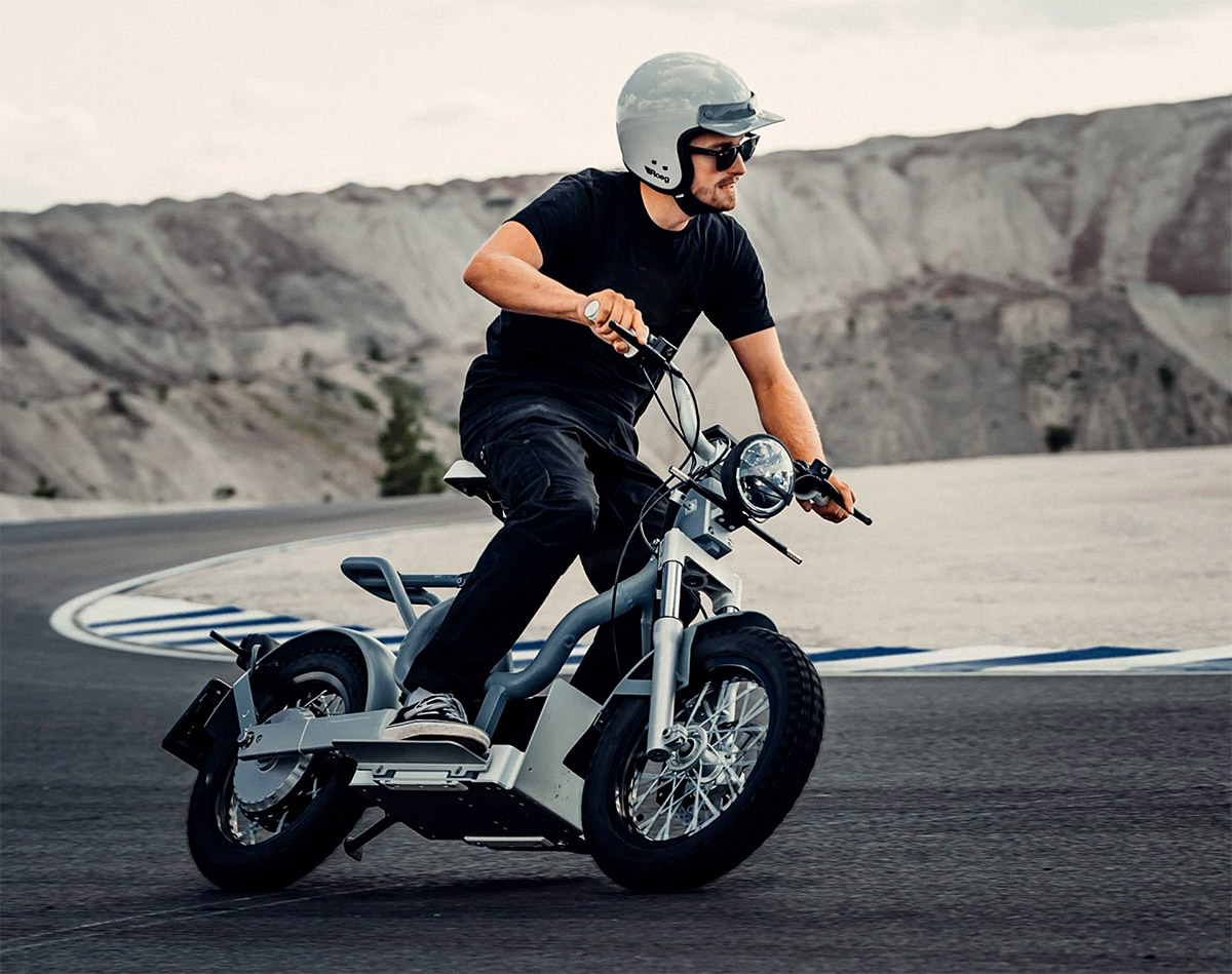 Cake Introduces Makka E-Moped at werd.com